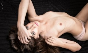 Lyllou nuru massage
