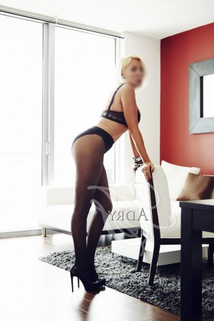 Rebecka erotic massage in Hanover