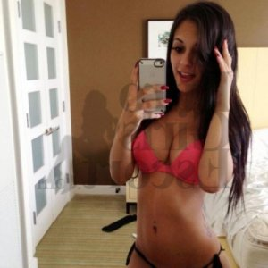 Sherihane nuru massage in New Albany